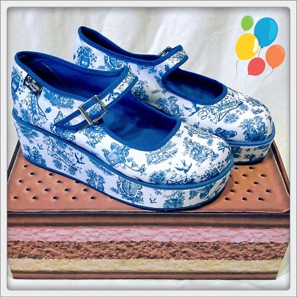 779142b41a37 Hot Chocolate Designs Shoes - Chocolaticas® Toiles de Jouy Platforms sz 7